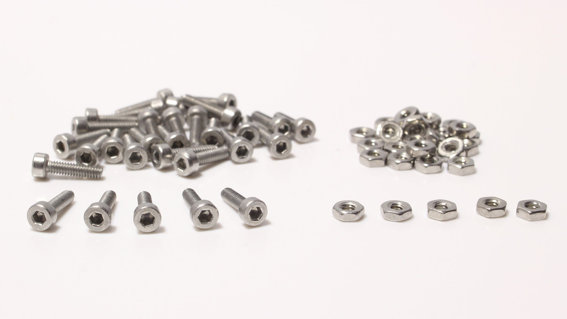 Set of Screws and Nuts for Beadlock Rims 8mm 30pcs